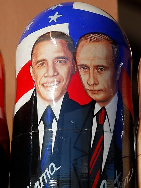 Kunst am Rand des Gipfels - so nah kamen sich Obama und Putin in St. Petersburg nicht.