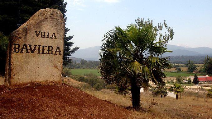 """Heute heißt die einstige """"Colonia Dignidad"""" anders - die Bewohner nennen sie nun """"Villa Baviera"""" und vermarkten die Idylle."""