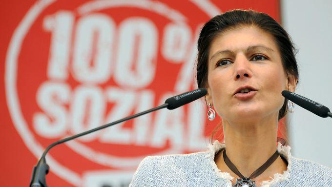 Die Linke Sahra Wagenknecht knüpft eine Koalition mit der SPD an eine Kehrtwende der Sozialdemokraten.