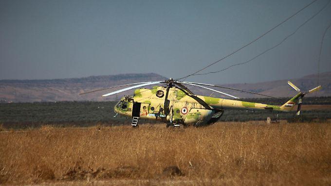 Die türkische Armee schoss einen Hubschrauber vom Typ MI-17 - im Bild ein gekapertes Exemplar der Freien Syrischen Armee - mit Kampfflugzeugen ab.