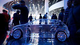 Hersteller setzen auf verschiedene Strategien: Automobilindustrie schwächelt