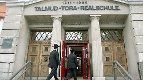 Die Talmud-Tora Schule ist eines der am schärfsten bewachten Gebäude in Hamburg.