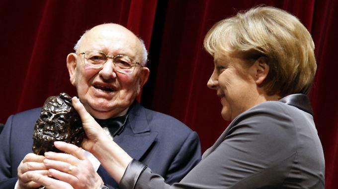 """""""Ich werde diesen leidenschaftlichen und brillanten Mann vermissen"""", sagte Bundeskanzlerin Merkel."""