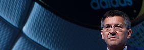 Ernste Miene statt WM-Vorfreude bei Adidas-Chef Hainer.