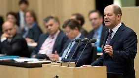 Hamburgs Erster Bürgermeister Olaf Scholz spricht den Ländervertretern ins Gewissen.