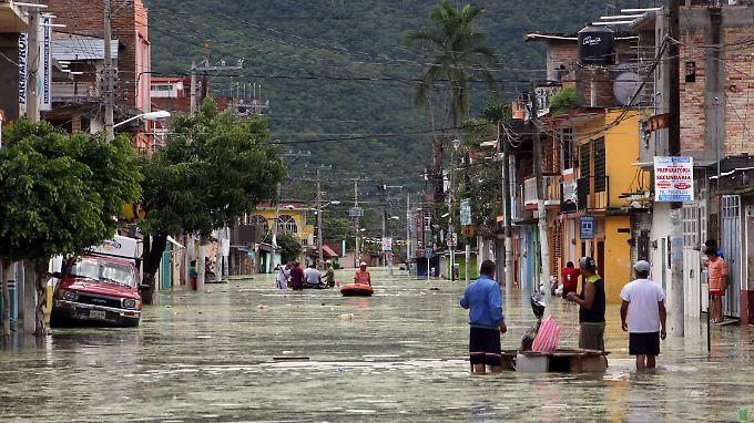 Endlich Hilfe für Mexiko: Hundert Menschen sterben durch Tropensturm