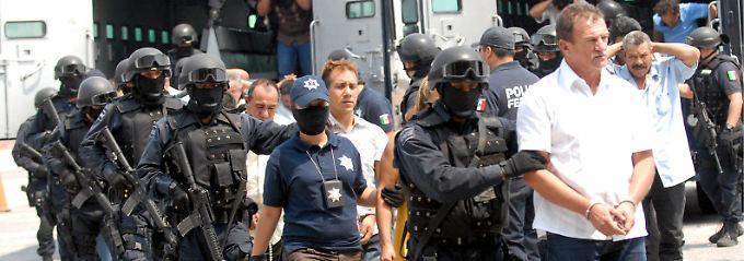 sumpf der kriminellen polizei deckt drogenkartelle in mexiko n. Black Bedroom Furniture Sets. Home Design Ideas