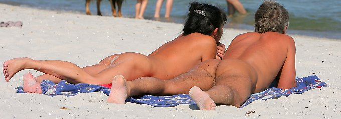 Ob am Strand, im Park oder in der Sauna: Überall in Deutschland sind Nackedeis unterwegs.