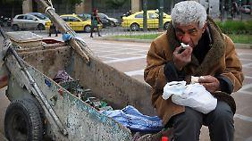 Arbeitsloser in Griechenland: Rund 120 Millionen Europäer sind akut von Armut bedroht.