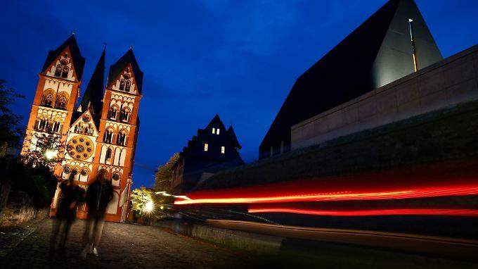 """Architektonisch mag das """"Diözesane Zentrum"""" in Limburg beeindruckend sein. Aber ist es notwendig?"""