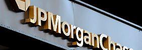 Mehr als eine Milliarde Dollar zahlt JP Morgan mit der neuen Strafe insgesamt für die Londoner Spekulationsaffäre.