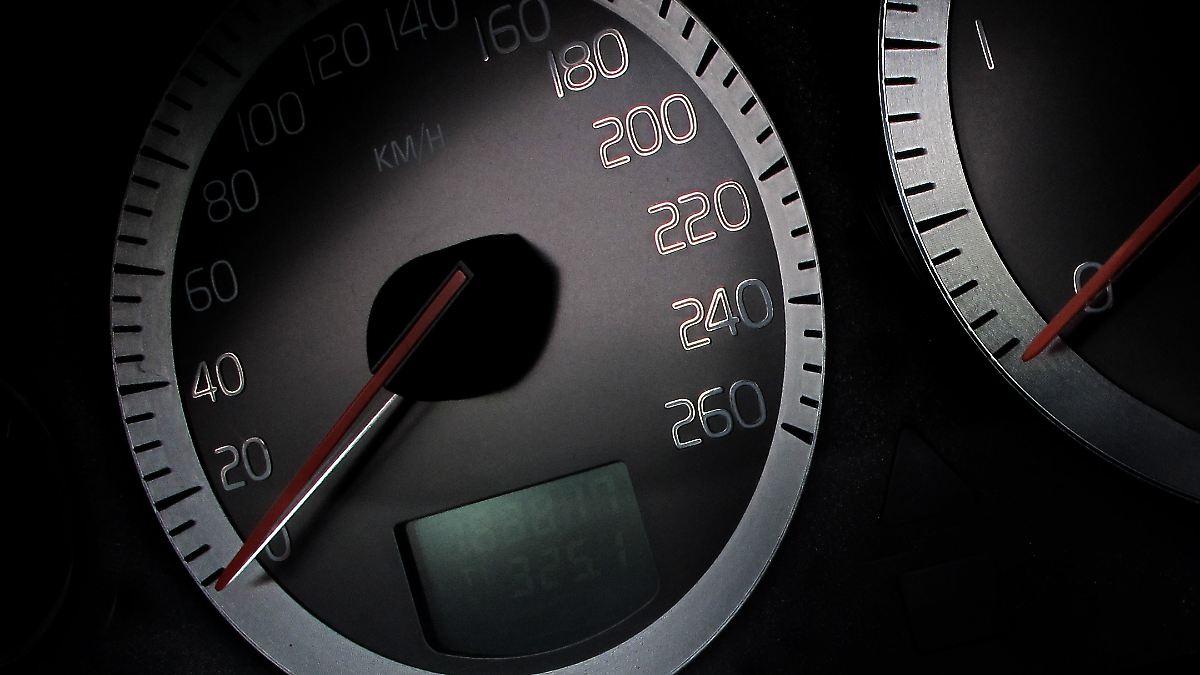 Autohersteller schützen zu wenig vor Tachobetrug