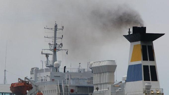 Der Schwefelausstoß soll ab 2015 auf Nord- und Ostsee auf ein Zehntel sinken.