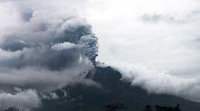 Sieben Kilometer hohe Aschewolke auf Sumatra: Vulkan Sinabung zwingt Tausende zur Flucht