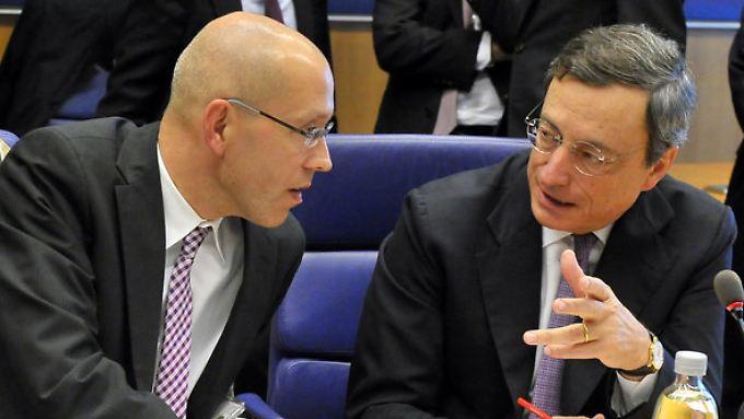 Jörg Asmussen und Mario Draghi.