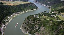 Die Brücke nahe des Loreleyfelsen bei St. Goar im Mittelrheintal darf gebaut werden.