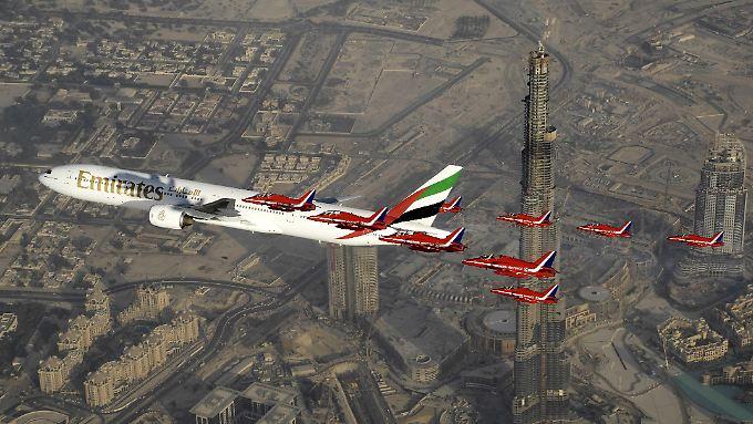 Emirates Airlines vergibt Rekordaufträge: Boeing und Airbus räumen in Dubai ab