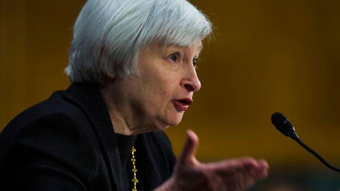 Laut Sitzungsprotokoll soll die Drosselung der Anleihekäufe schon bald unter der designierten Fed-Chefin Yanet Yellen beginnen.