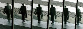 Gegner liegen in Umfragen vorne: Schweizer stimmen über Deckelung von Managergehältern ab
