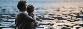 Oxytocin entsteht beim Kuscheln und Küssen und verstärkt so die Bindung.