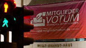 Vor dem Willy-Brandt-Haus in Berlin.