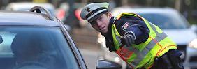 Achtung Verkehrskontrolle! Ab Mai 2014 werden je nach Schwere des Vergehens 1, 2 oder 3 Punkte vergeben.