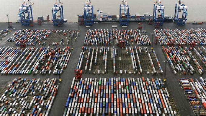 Die Erholung der Weltwirtschaft wird den Handel nur mäßig ankurbeln -  deutsche Exporte werden geringer zulegen.