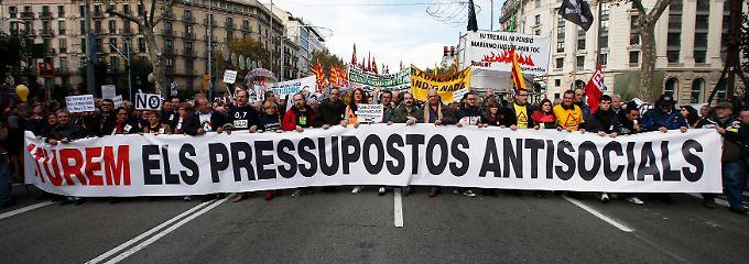 """Proteste gegen den """"antisozialen"""" Sparhaushalt: Aus der Bevölkerung weht der Regierung Rajoy ein scharfer Wind entgegen."""