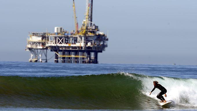 """Mittlerweile schwimmt auch die Obama-Regierung begeistert auf der """"Drill""""-Welle."""