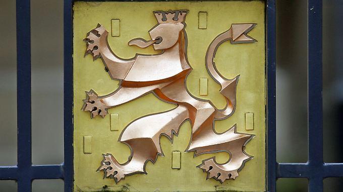 Gewusst, wo was möglich ist: Das Wappentier von Luxemburg am Einfahrtstor zum Großherzoglichen Palais (Palais Grand-Ducal).
