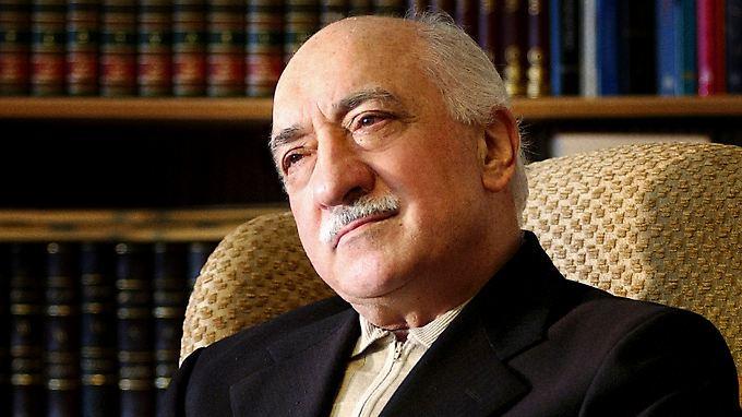"""Baut Schulen, nicht Moscheen"", sagt Fethullah Gülen. Ob er wirklich so liberal ist, wie er wirkt, ist allerdings umstritten."