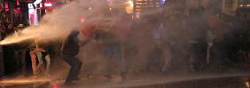Proteste gegen die Regierung in der Türkei: Polizei fegt Demonstranten vom Platz