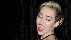 Promi-News des Tages: Miley Cyrus wird auf der Toilette überrascht