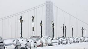 New York, die Stadt, die niemals schläft, liegt unter einer Schneedecke begraben.