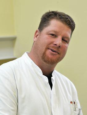 Professor Jens Pahnke ist Leiter des  Forschungslabores für Neurodegenerative Erkrankungen (NRL.ovgu.de) an der Universität Magdeburg und dem Deutschen Zentrum für Neurodegenerative Erkrankungen (DZNE).