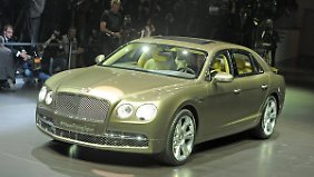 Der Bentley New Flying Spur bei einer Präsentation in Genf.
