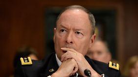 Nicht besonders auskunftsfreudig: NSA-Chef Keith Alexander.