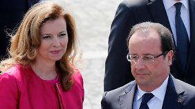 Lebensgefährtin meldet sich zu Wort: Hollande soll Trierweiler Affäre gestanden haben