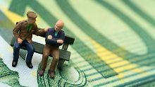Rürup-Renten lohnen sich vor allem für Selbstständige. Sie können mit diesen Verträgen Steuern sparen und für das Alter vorsorgen.