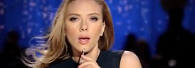 Eine Szene aus dem Werbespot mit Scarlett Johansson.