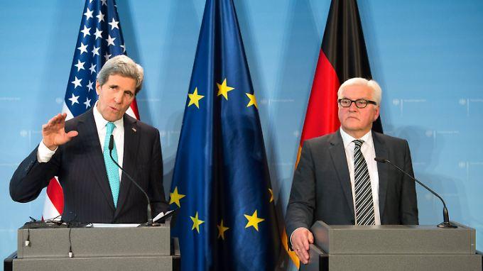John Kerry und Frank-Walter Steinmeier: Kuschelkurs und Erinnerungen an die gute alte Zeit.
