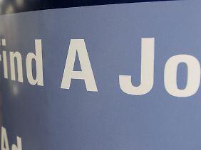 """""""Find a Job"""": Immer mehr müssen sich um neue Arbeitsstelle in den USA kümmern."""