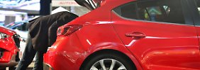 Erholung auf wackligen Füßen: Europäer werden im Autohaus wieder mutiger