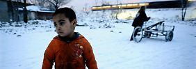 Gute Gründe, ihre Heimat zu verlassen, gibt es für viele Roma.  Armut und Ausgrenzung sind sie in etlichen Ländern Europas seit Jahrhunderten ausgesetzt.
