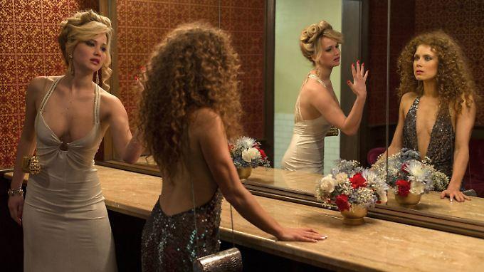 """Jennifer Lawrence (l.) und Amy Adams wurden für """"American Hustle"""" schlechter bezahlt als ihre männlichen Kollegen."""