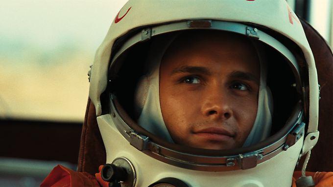 Jaroslaw Zhalnin als Juri Gagarin, Kosmonaut Nummer Eins und erster Mensch im All