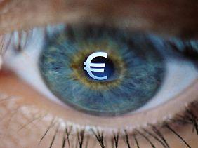 Angesichts der Schuldenberge wird der Ruf nach einer Zwangsabgabe für Sparer in Europa lauter.