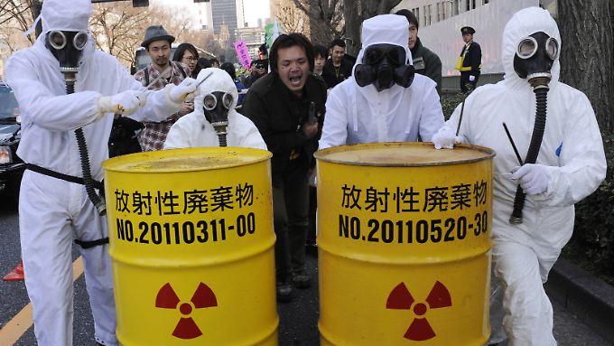 In Japan wächst die Sorge vor einem Wiedereinstieg in die Atomkraft.