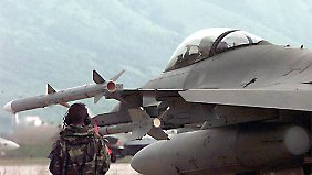 Attacken in Ukraine mehren sich: USA entsenden F16-Kampfjets und Soldaten nach Polen