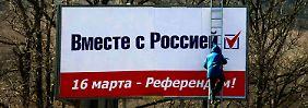Die pro-russischen Kräfte haben zumindest bei der Plakatierung die Nase vorn.